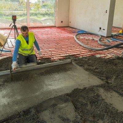 Aljzatkiegyenlítés estrich betonnal
